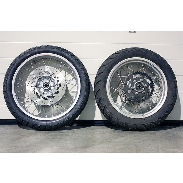 Serie of front and rear motorcycle wheels