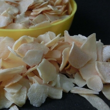 New crop high quality dehydrated garlic flakes