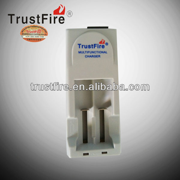 original Tr-001 output 2.7v-4.2v 110v dc adapter 2 slot EU/UK/US external battery charger from TrustFire