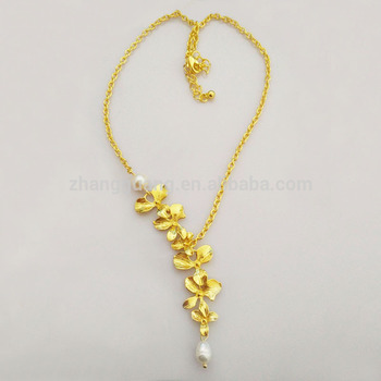 Charm Adjustable Pendant gold Orchids Freshwater Pearl necklace