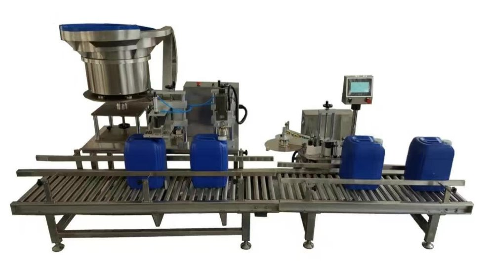 Square drum capping and labeling machine