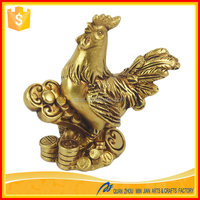 Wholesale arts and craft resin craft supplies 2017 Chinese New Year rooster statue gift craft for home decor