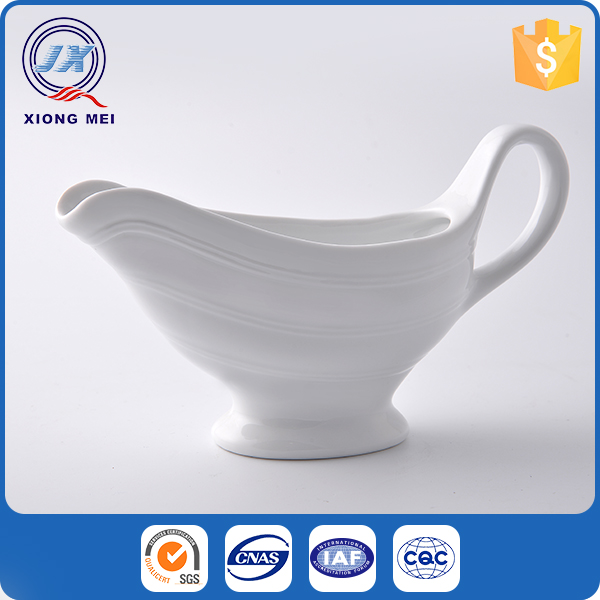 Luxury style high grade porcelain large gravy boat for food buffet sauce