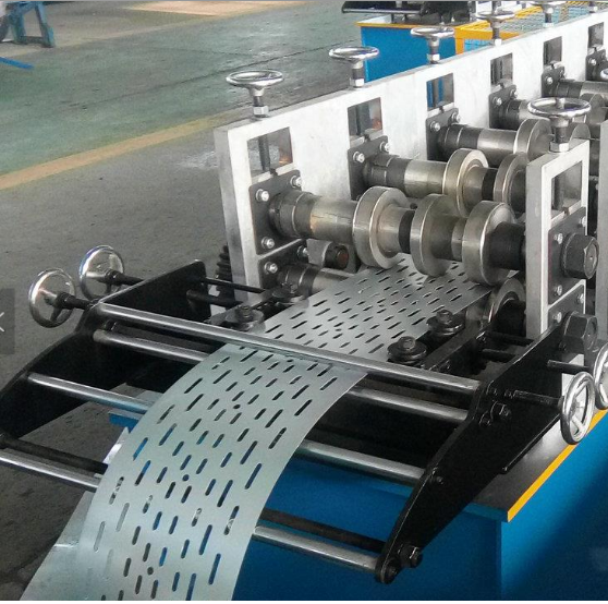 Fully automatic C U shape cable tray roll forming <strong>machine</strong>