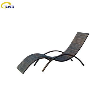 Popular outdoor rattan/wicker stylish garden daybed