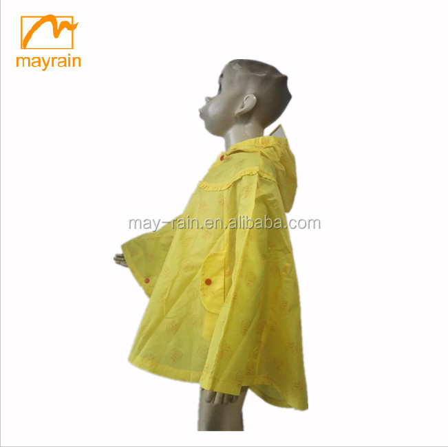 Yellow children poncho / polyester waterproof raincoat