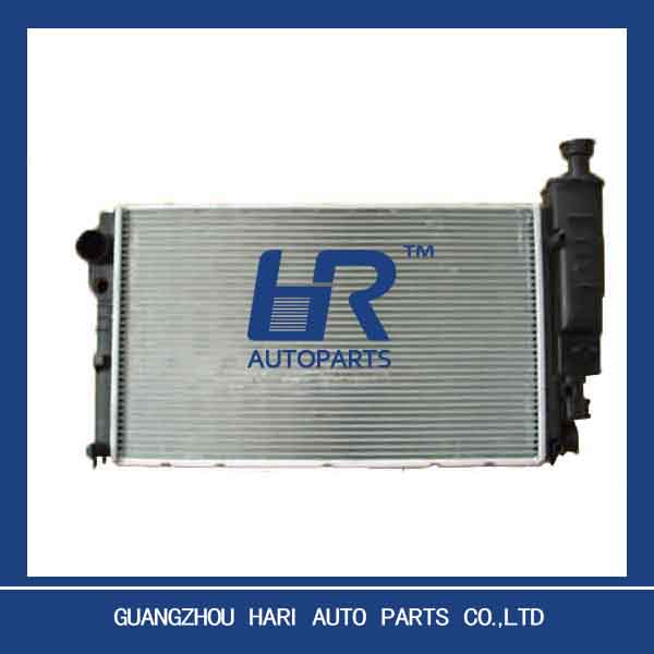 AUTO radiator for POUGEOT 405 OE:1300 N4 / 1331 RE