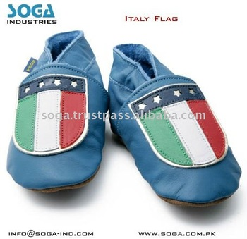 Italy country flag fashion baby shoes .