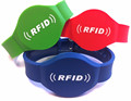 Adjustable rfid silicon wristband