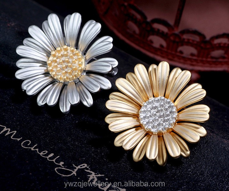 B85700 yiwu high quality korean designed double color plating OEM order accepted fashion chrysanthemum metal flower brooch