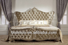 Luxury European style hand carved wooden queen size bed