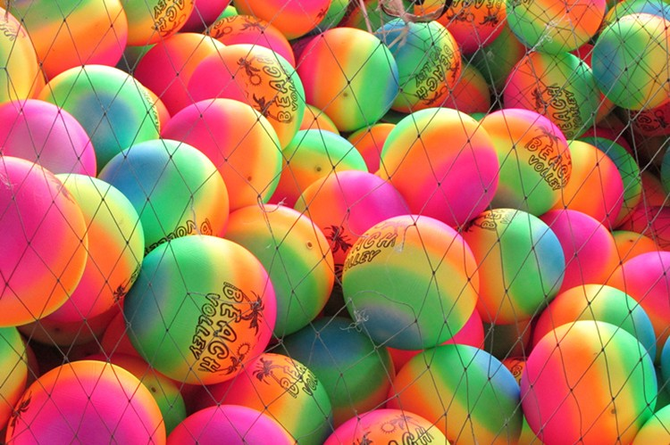 2017 hot new products PVC ec-friendly inflated pvc beach hollow plastic bouncing ball color changing ball