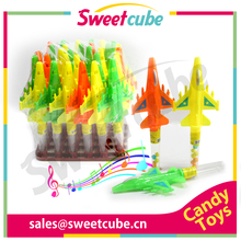 Low price Aircraft Toys Candy with whistle