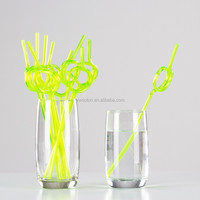 Coloured Kids Crazy Curly Drinking Straws - Childrens Party Green Apple Crazy Loop Magic Straw