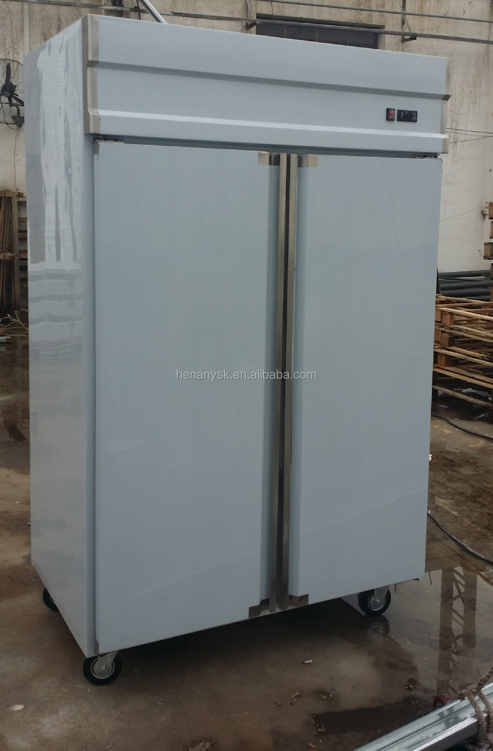 -18~-22 Degree Freezer 3 Big Doors Commercial Vertical Cooler 3 Doors for Kitchen - 23 Cu. Ft.