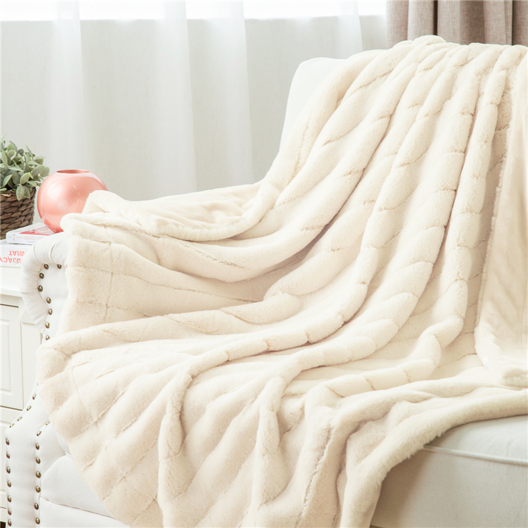 Durable New Design Polyester Faux Fur Throw PV Fleece Blanket Winter