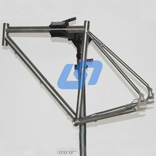 Supply 700C full titanium alloy road bike frame with Gates belt drive from China factory