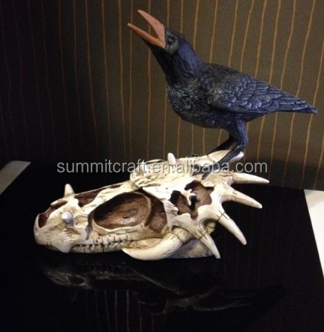 Polyresin decoration creepy style skull and crow statue