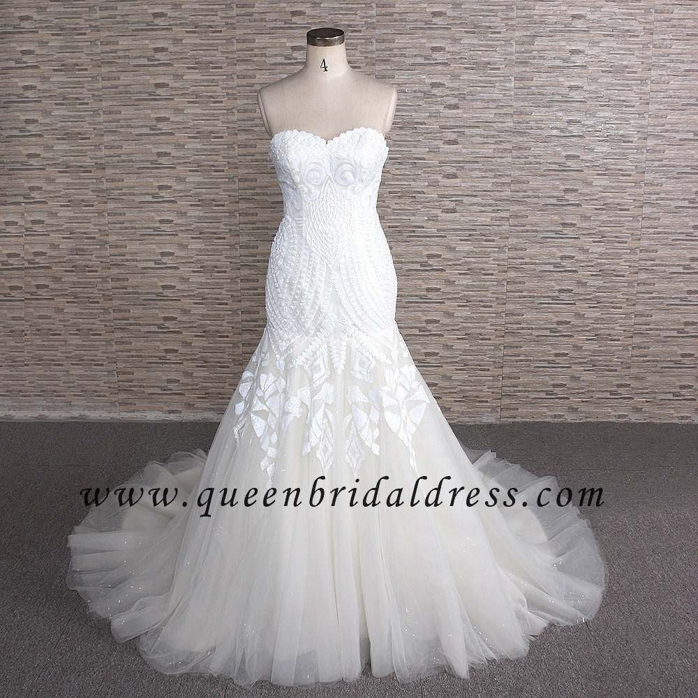 Unique Semi- Sweetheart Neckline Wedding dress Trumpet Lace Wedding gowns