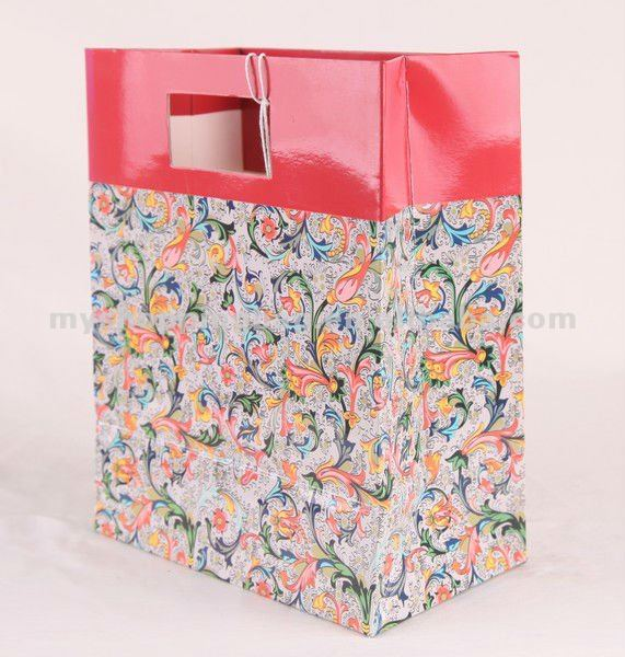 Full color fancy Christmas gift paper bag with die cut handle for shop