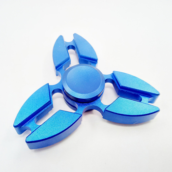 2017 new model triangle hand spinner metal aluminum fidget spinner