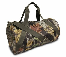 China Wholesale Water Resistant Sherwood Camo Sports Gym Rolling Duffel Bag