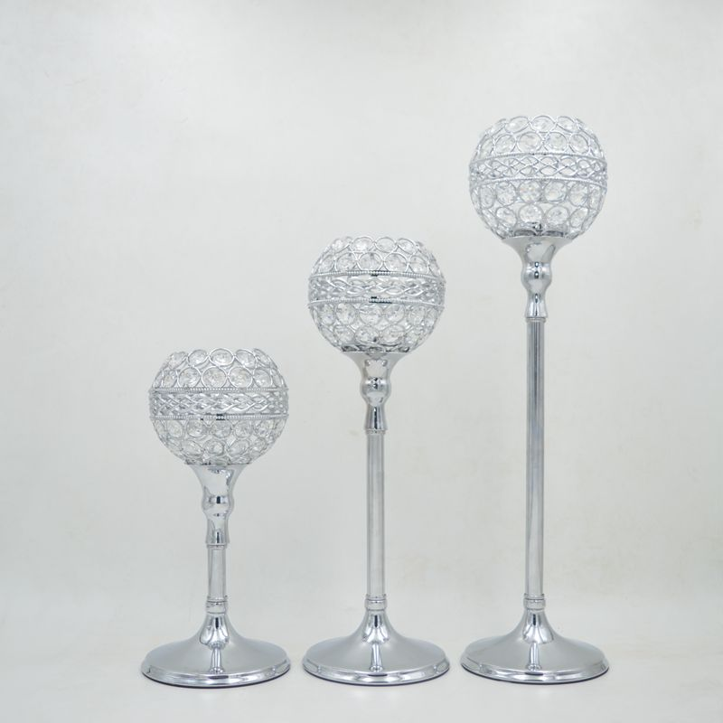 The new European gold plated silver crystal ball holder Home Furnishing ornaments hotel decoration crafts