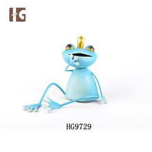 Home Decor Wholesale Frog Shape Metal Funny Garden Statues With Crown