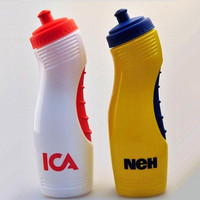 Extrusion type plastic 850ml PE basketball sports bottle supplier