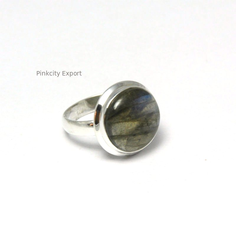 unique Handmade Light weighted silver Rings in labradorite