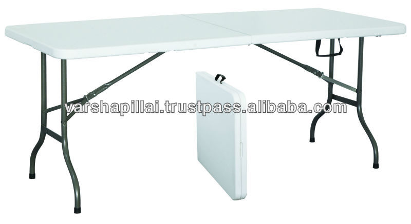 Plastic foldable tables