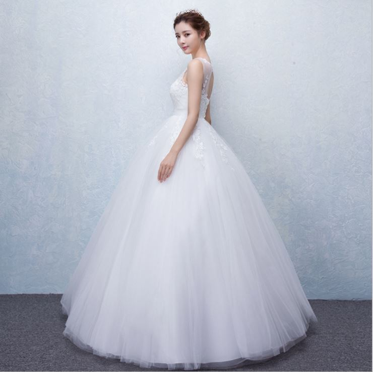 Hot Selling Free sample hot sale very long tail wedding dress
