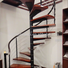 2018 new design solid wood indoor spiral stairs