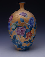Lovers gift Rose flower pattern China Well-known Trademark Hand Painted Underglaze Porcelain Gold painting vase
