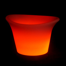 2016 fashionable hot sale indoor/outdoor LED flower pot light with color changing remote control