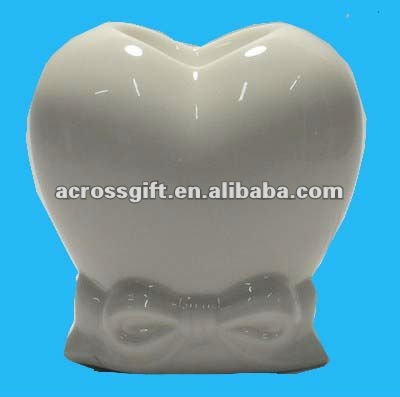 electric white ceramic heart shape aroma oil burner