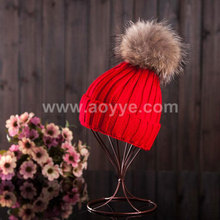 Wholesale increasing raccoon hair bulb hat winter pure color knitting hat true hair bulb woman with thick wool cap