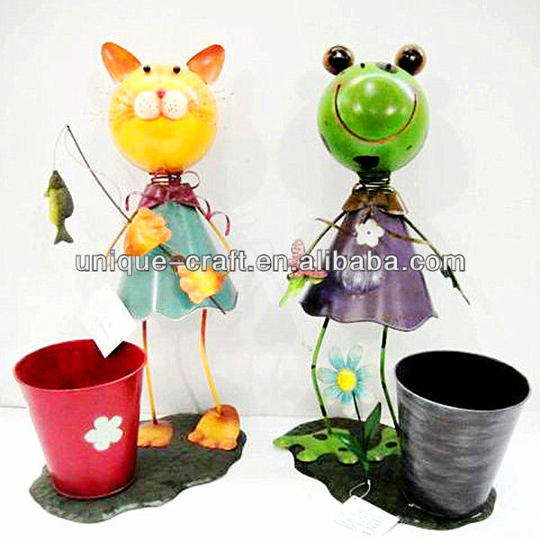 Cat and Frog Garden Decoration with Flower Pot