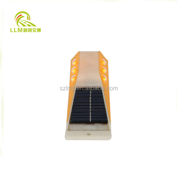 Reliable and Cheap solar panel powered strong reflector delineator