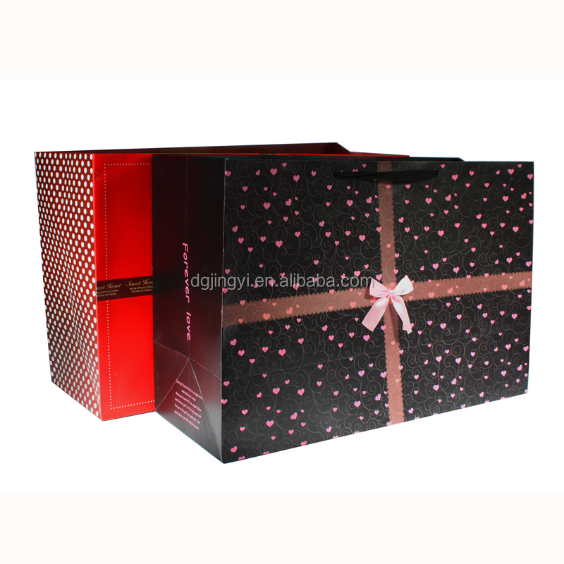 Christmas Luxury paper packaging shopping bag with decoration