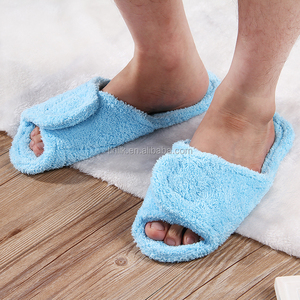 Patent Portable Folding Machine Washable Antibacterial Microfiber Coral Fleece Soft Bedroom Slippers Travel Slippers