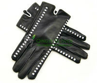 Ladies' sheep nappa leather gloves, leather strip & stitching in contrast color trimmed