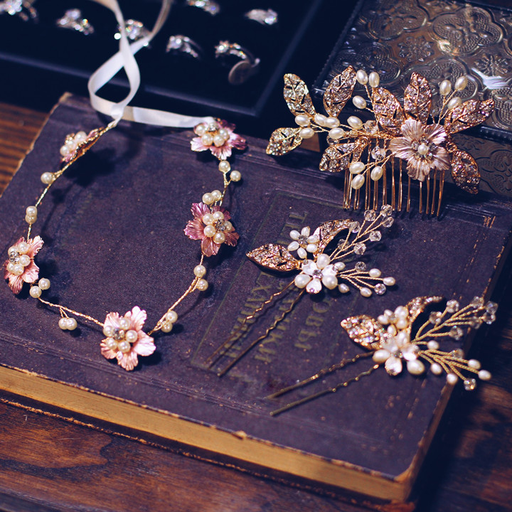 Vintage Style Rhinestone Leaf Cluster Wedding Hair Comb Bridal Starry Party Hair Accessories Floral Bridal Princess Hair Comb