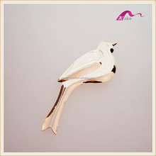 New Trendy Gold Metal Birds Animal Decorative Brooch For wedding Invitations