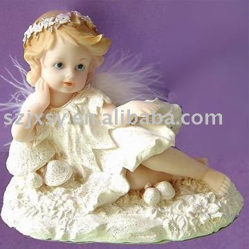 Attractive resin angel figurine