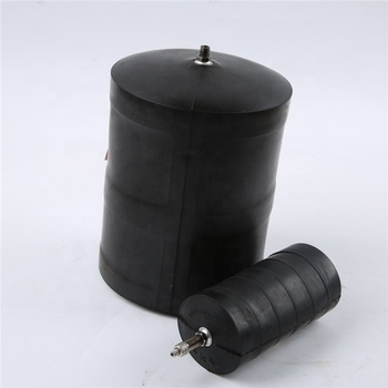 Rubber sewer pipe plug
