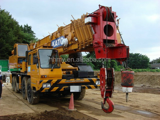 cheap price with good condition of used japan original hydraulic crane kato NK -1000 100ton truck crane