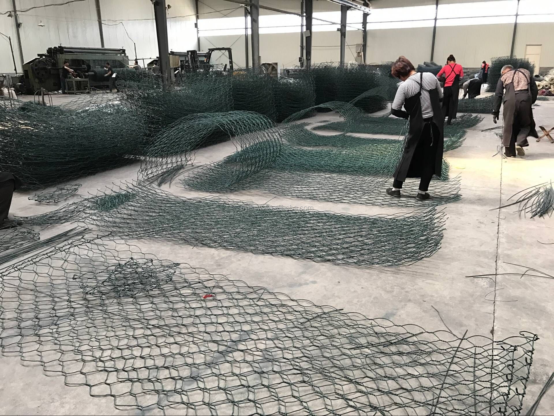 Top Selling Galvanized and PVC Coated Gabion Net (Free Sample, Direct Factory, Low Price)