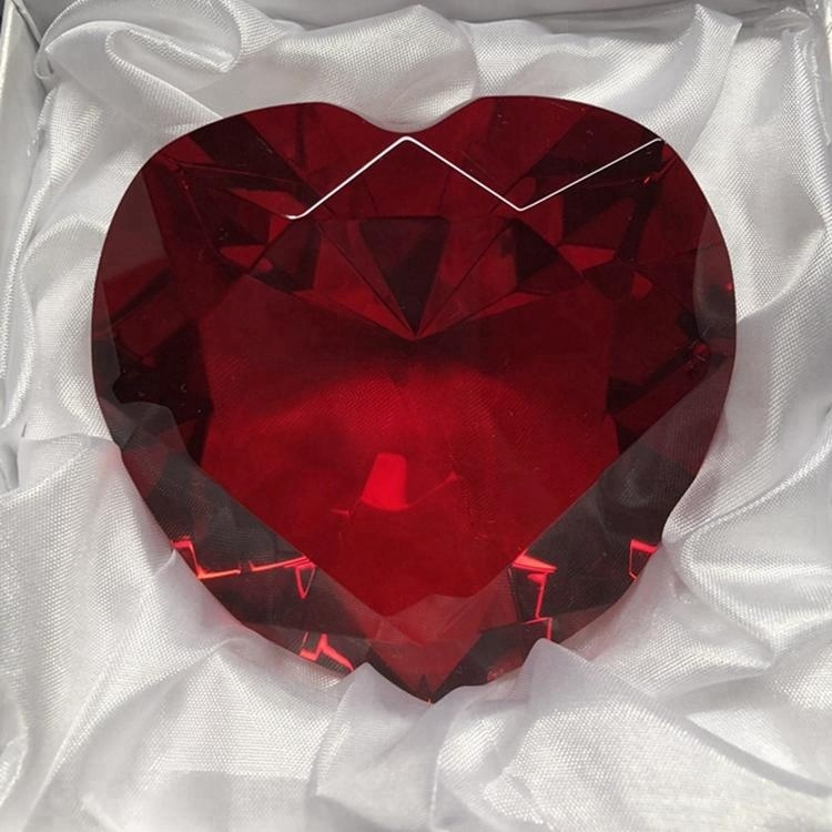 Popular red color heart diamond shape crystal wedding gifts for engraving
