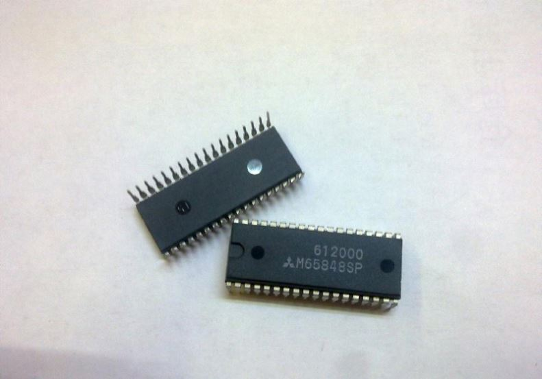 Components IC, RF Transistors direct digital synthesizer 2000mhz 1-dac 10bit parallel , xc5vsx95t-1136i